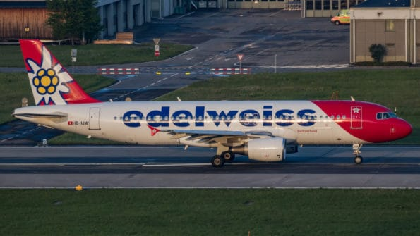 HB-IJW - A320 - Edelweiss