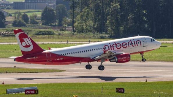 HB-IOZ - Airbus A320 - Air Berlin