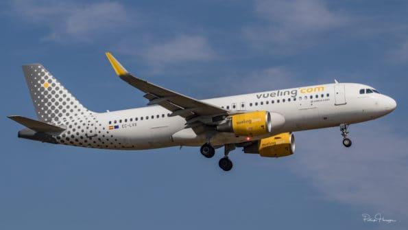 EC-LVX - A320 - Vueling